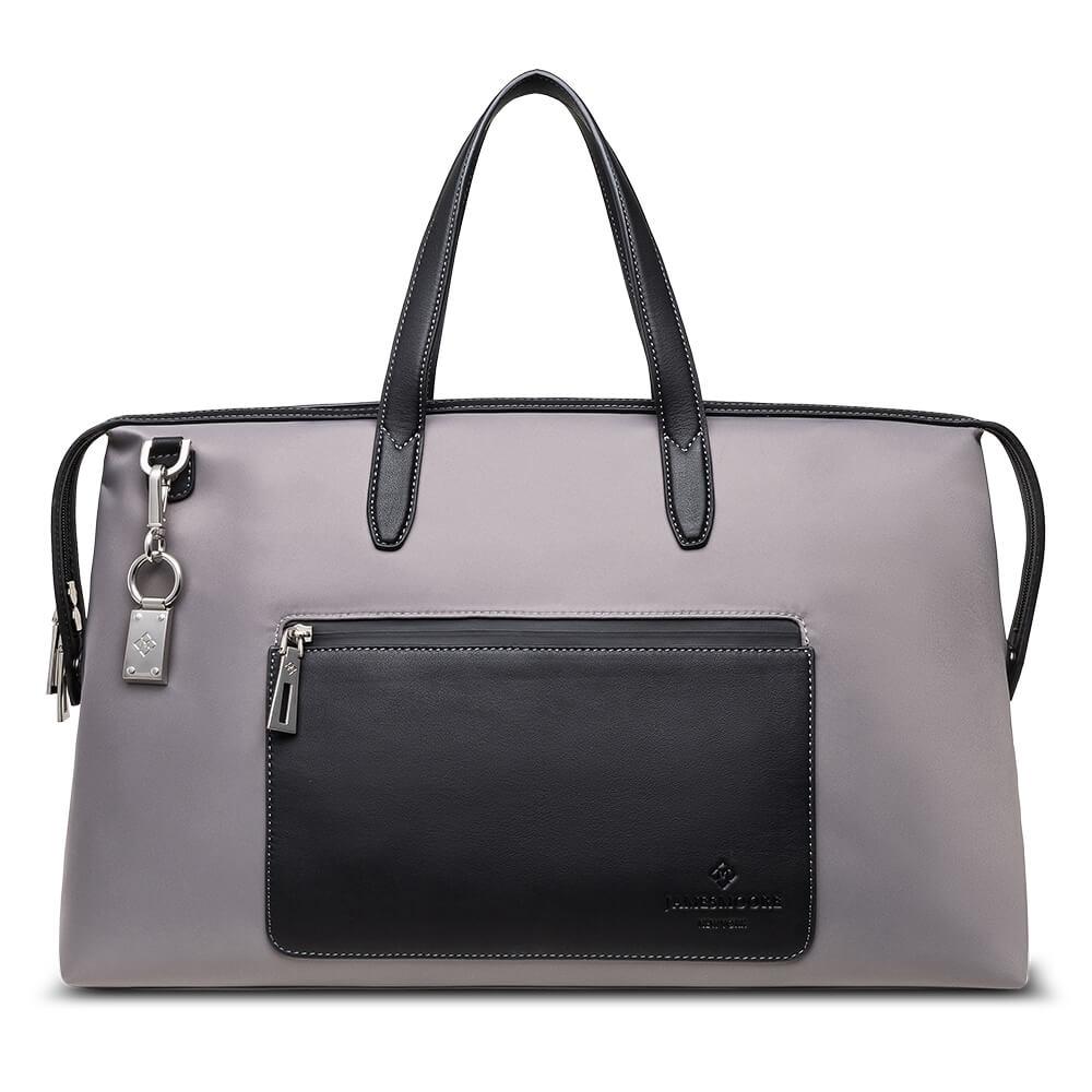 灰色の京都旅行バッグ